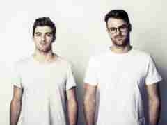Instrumental: The Chainsmokers - Don't Let Me Down
